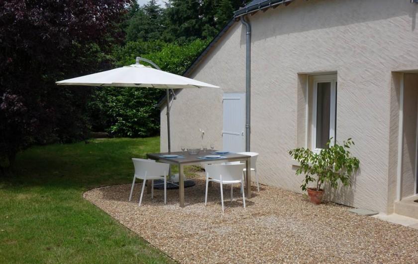 Location de vacances - Maison - Villa à Fondettes - zone repas sur jardin