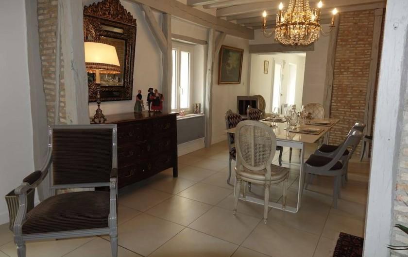 Location de vacances - Maison - Villa à Fondettes - enfilade salon zone repas