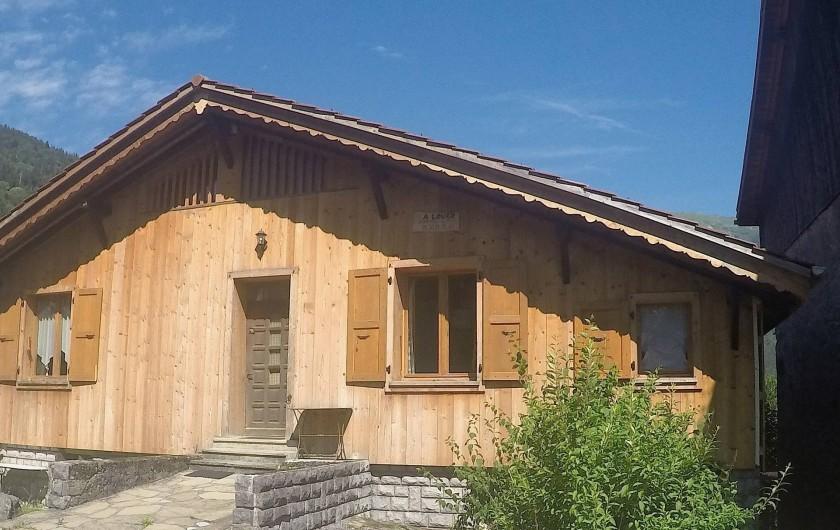 Location de vacances - Chalet à Samoëns - vue depuis la place
