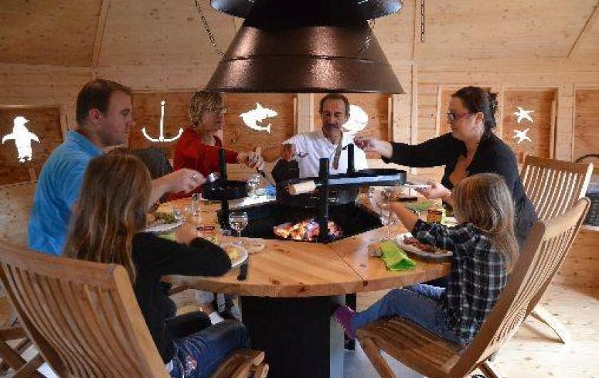 Location de vacances - Insolite à Pressac - La cabane flottante Grill du restaurant La Marina