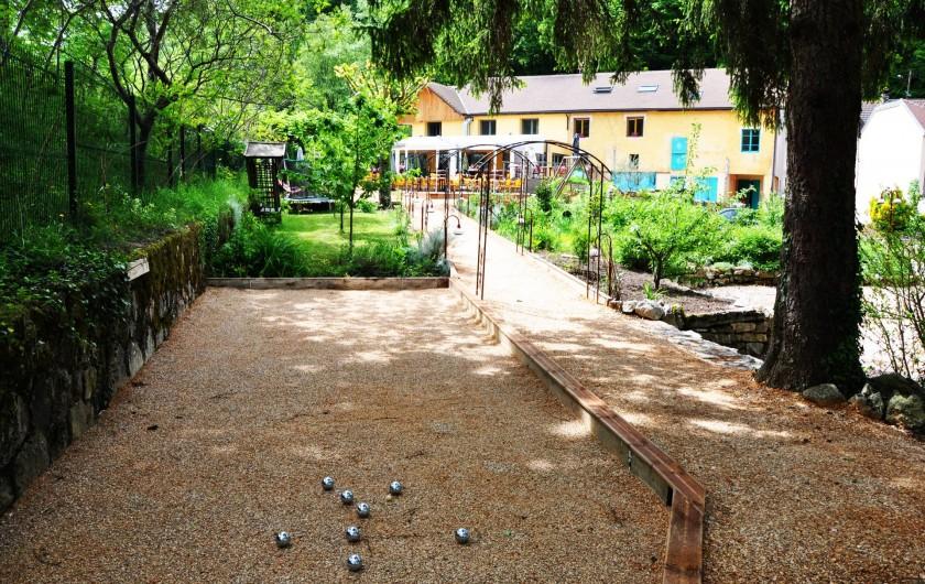 Location de vacances - Chambre d'hôtes à Chanaz - Vous pouvez profiter du terrain de pétanque