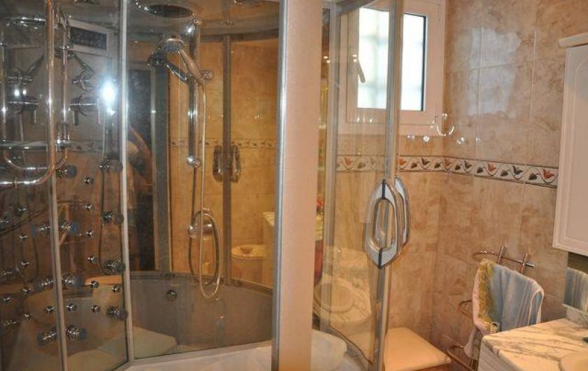 Location de vacances - Maison - Villa à Llançà - salle de bain rez de chaussé