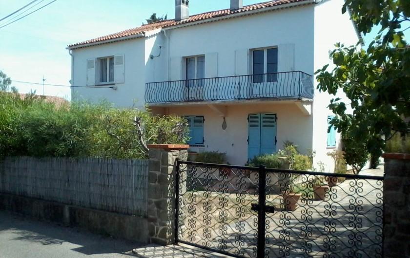 Location de vacances - Appartement à Saint-Tropez - façade