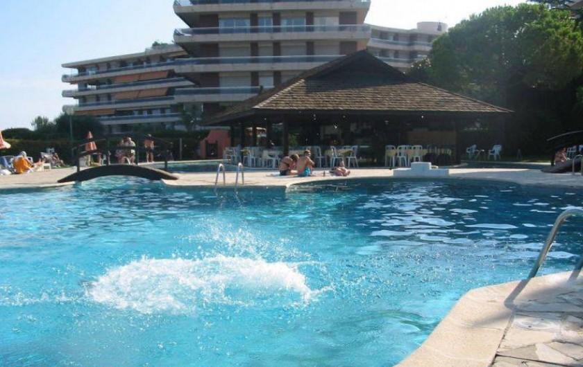 Location de vacances - Appartement à Nice - La piscine et Club House