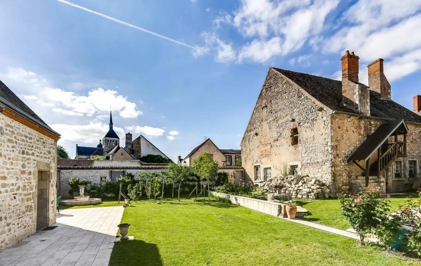 Location de vacances - Gîte à Saint-Benoît-sur-Loire - Le jardin partagé du four Banal( XII ème) , clos de mûrs