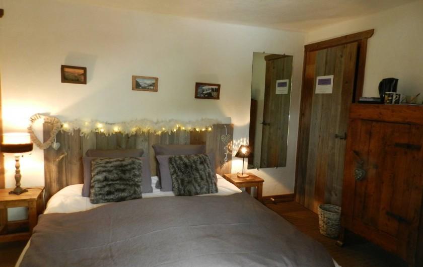 Location de vacances - Chalet à Bourg-Saint-Maurice - Chambre-suite avec salle de bains privatives