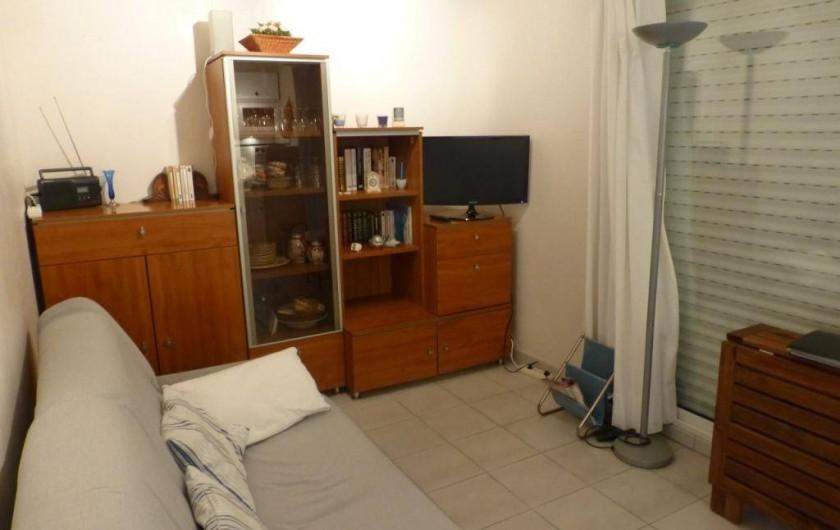 Location de vacances - Appartement à Argelès-sur-Mer - salle avec canapé