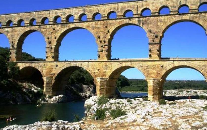 Location de vacances - Gîte à Boisset-et-Gaujac - A voir, le Pont du Gard