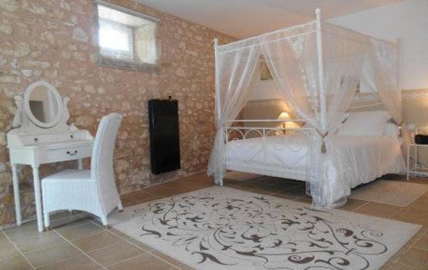 Location de vacances - Gîte à Saint-Vincent-sur-l'Isle - La chambre du rez-de-chaussée