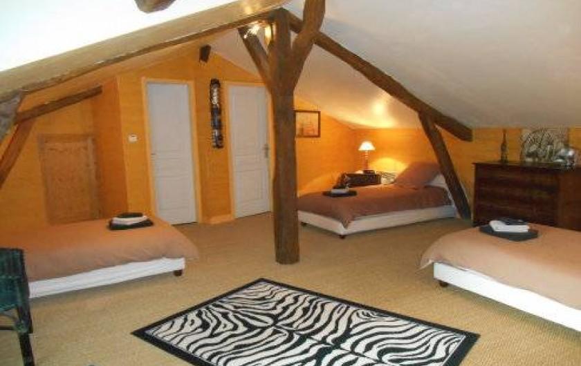 Location de vacances - Gîte à Saint-Vincent-sur-l'Isle - La chambre de l'étage