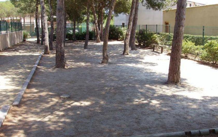Location de vacances - Studio à Le Cap d'Agde - Le terrain de pétanque (gratuit)