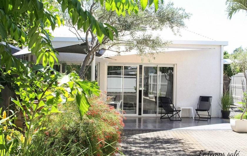 Location de vacances - Maison - Villa à Etang-Salé les Hauts - Façade principale du logement