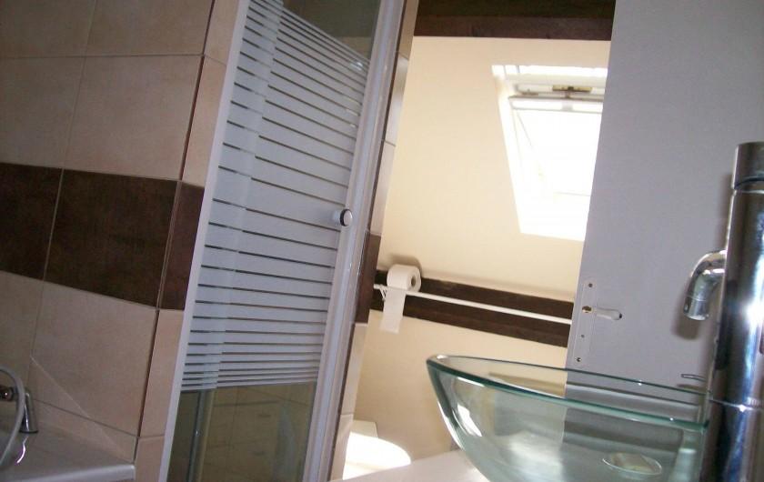 Location de vacances - Gîte à Nonant-le-Pin - salle Bain/douche/ WC