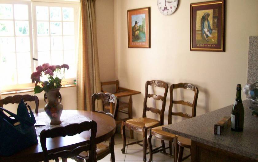 Location de vacances - Gîte à Nonant-le-Pin - espace repas : comptoir + table