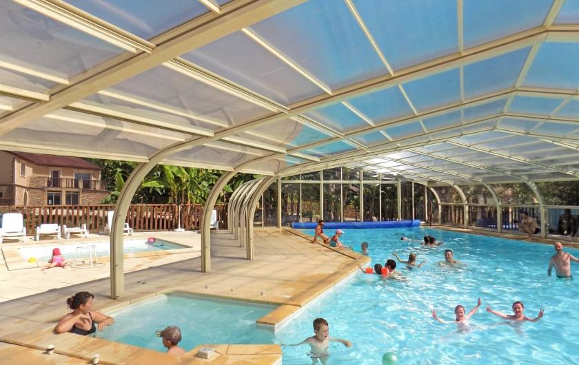 Location de vacances - Chalet à Sarlat-la-Canéda - La grande piscine -Village Chalet La Noyeraie vacances proche Sarlat en Dordogne