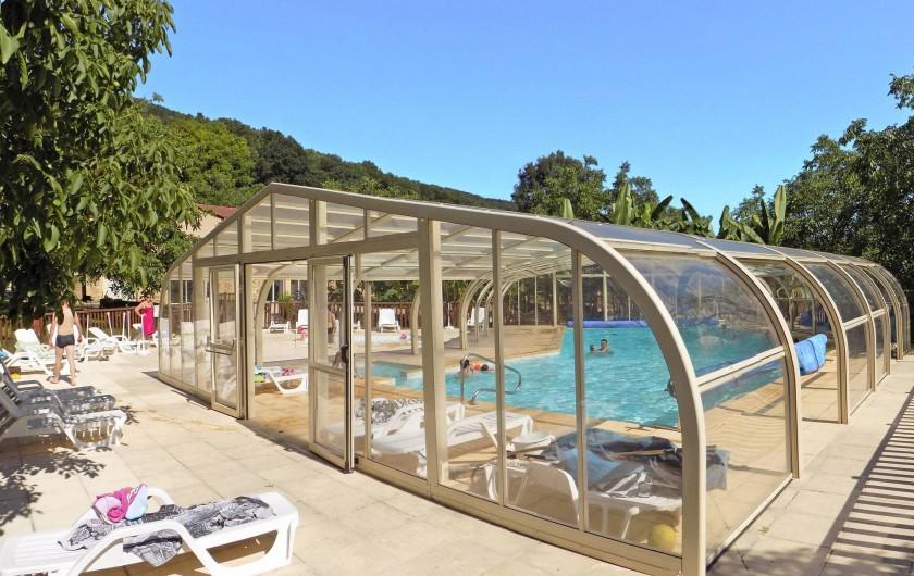 Location de vacances - Chalet à Sarlat-la-Canéda - La piscine couverte