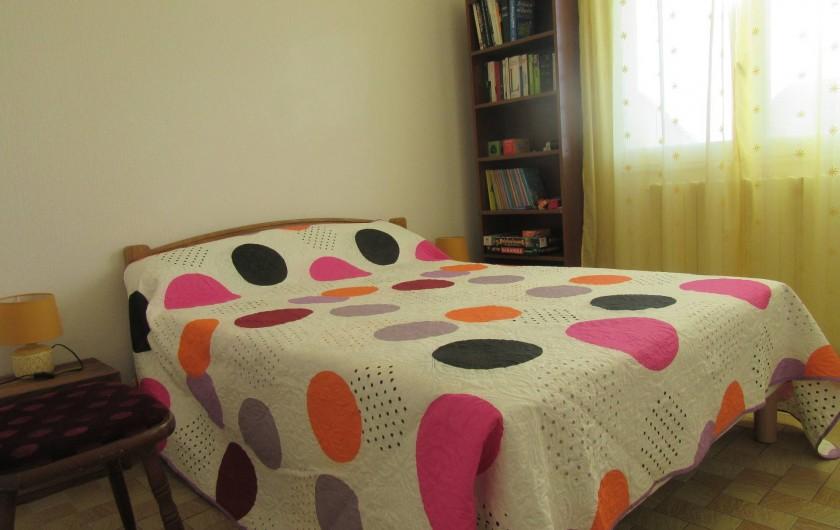 Location de vacances - Gîte à Puimisson - Chambre 3 avec lit 140 x 190 + placard