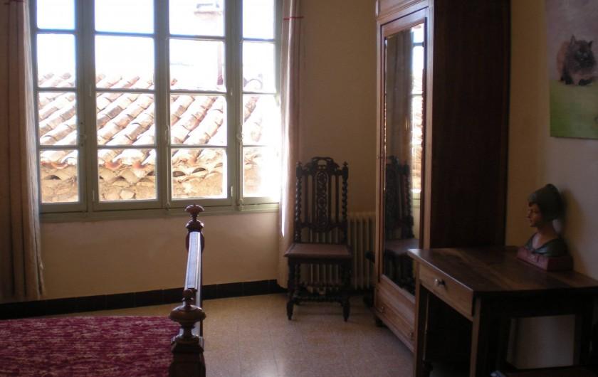 Location de vacances - Villa à Le Barroux - Chambre ouest 1 grand lit 1 lit 1 place