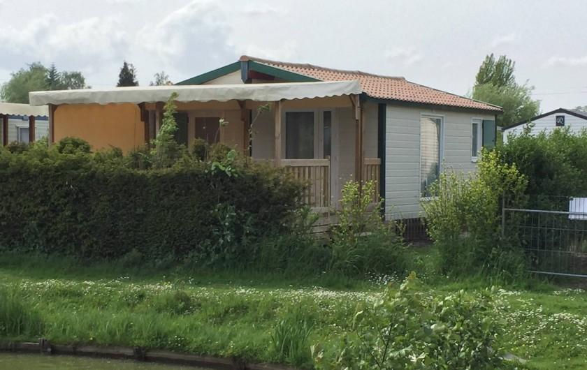 Location de vacances - Bungalow - Mobilhome à Tortefontaine - CHALET 30M² AVEC TERRASSE COUVERTE VUE SUR L'ETANG 4 à 6 PERSONNES