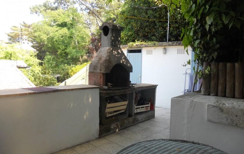 Location de vacances - Villa à Arcachon - Barbecue sur terrasse
