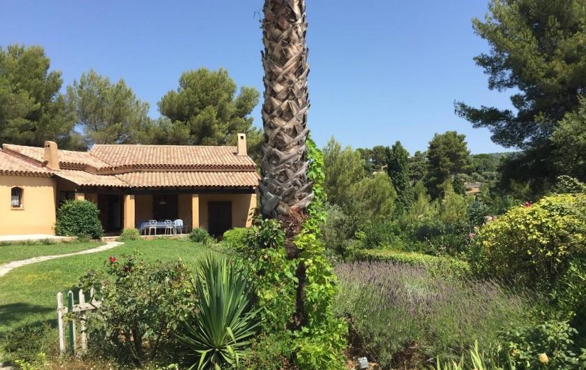 Location de vacances - Villa à Le Castellet - Jardin