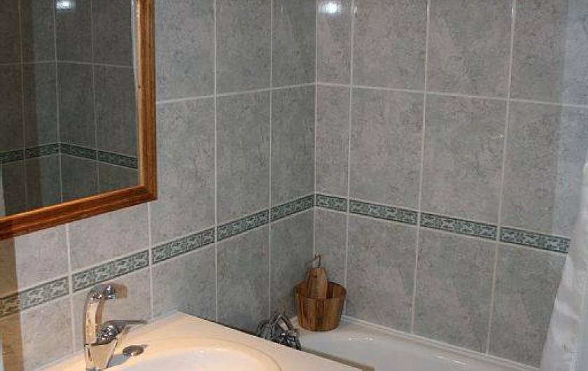 Location de vacances - Studio à Mâcot-la-Plagne - Salle de bain