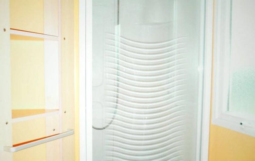 Location de vacances - Bungalow - Mobilhome à Capbreton - salle d'eau
