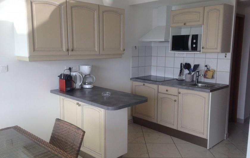 Location de vacances - Appartement à La Croix-Valmer - avec le confort de l'appartement à côté. Les 2 appartements sont climatisés,