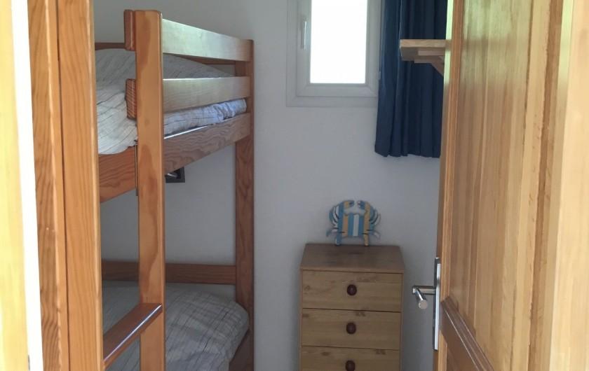 Location de vacances - Appartement à La Croix-Valmer - plus une chambre cabine avec deux lits superposés en 80x190,