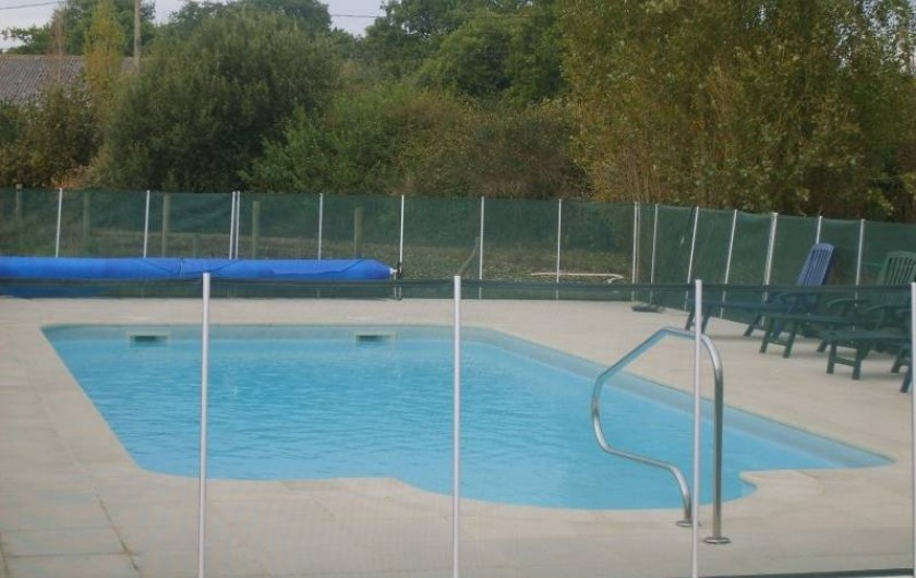 Location de vacances - Chalet à Plurien - piscine chauffée petit et grand bassin