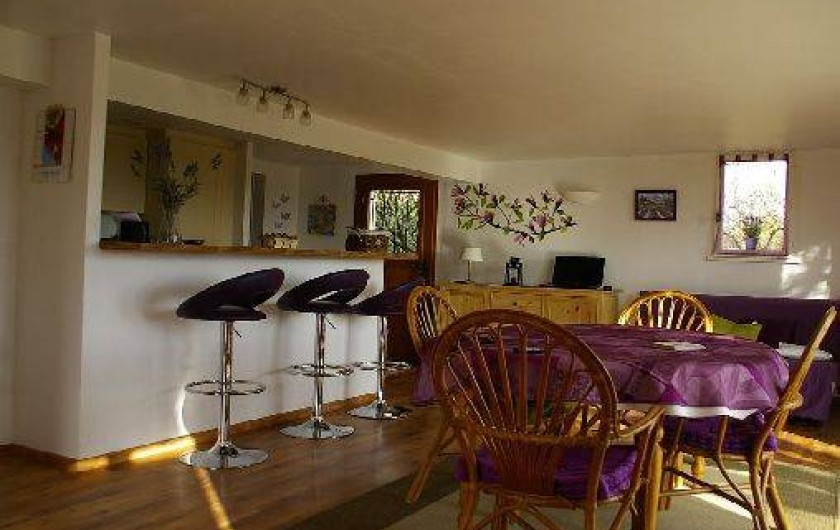 Location de vacances - Gîte à Gargas - séjour et cuisine à l'américaine