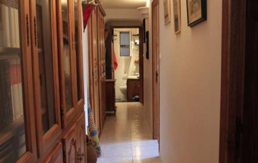 Location de vacances - Appartement à Moltifao - couloir