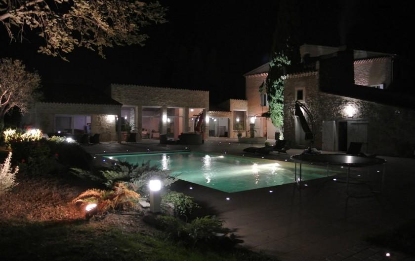 Location de vacances - Chambre d'hôtes à Trets - Coté piscine