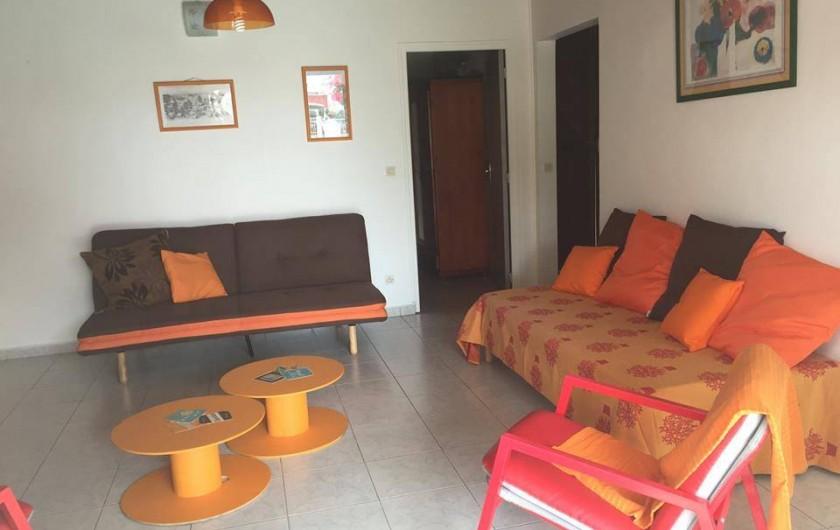Location de vacances - Maison - Villa à Sainte-Anne - Un salon spacieux (Mandarine)