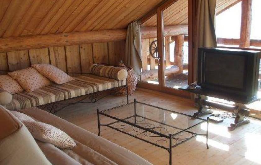 Location de vacances - Chalet à La Bresse - Salon de l'étage avec vue sur la vallée