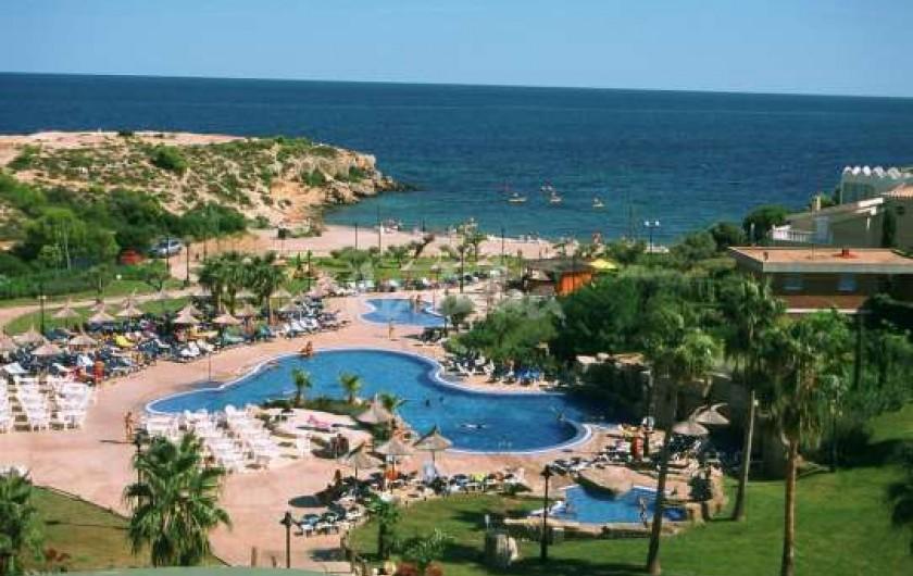 Location de vacances - Villa à L'Ametlla de Mar - Plage et piscines a 100 metres.