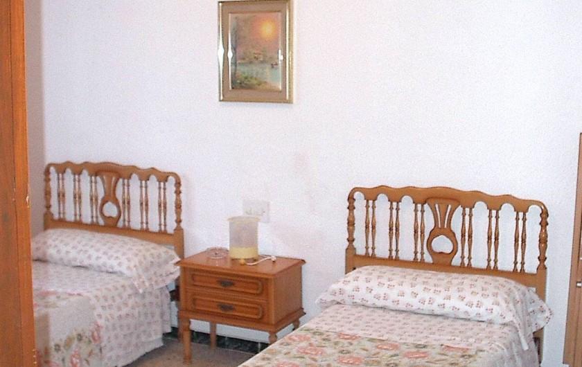Location de vacances - Villa à L'Ametlla de Mar - Chambre deux lits