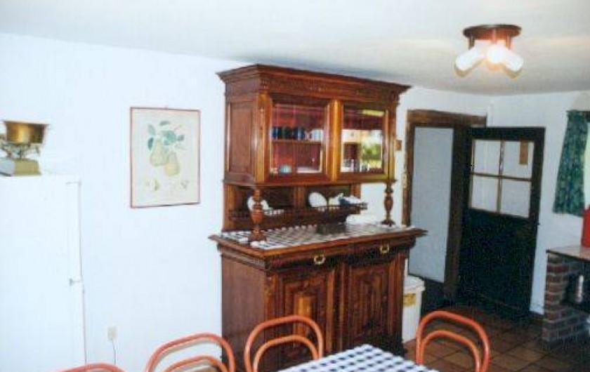 Location de vacances - Villa à Rendeux-Bas - Cuisine,vaisselier de famille,coin à manger.
