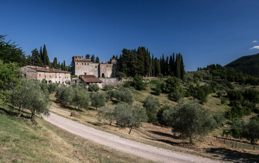 Location de vacances - Villa à Santa Brigida - view of the castle from villa Pergola