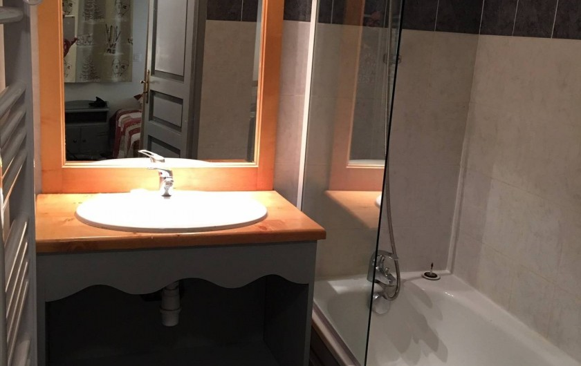 Location de vacances - Appartement à Valmeinier 1800 - Salle de bains (baignoire)