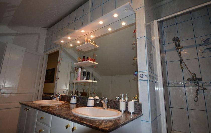 Location de vacances - Villa à Saint-Paul - salle de bain