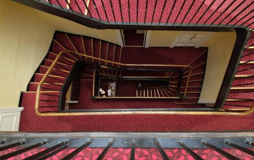 Location de vacances - Hôtel - Auberge à Morlaix - Le majestueux escalier