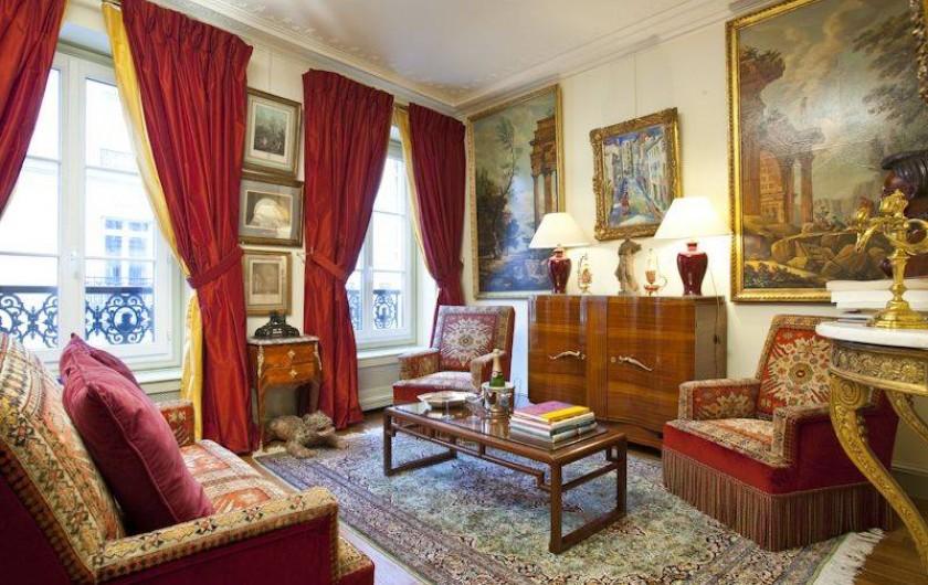 Location de vacances - Appartement à Champs-Élysées - Salon Empire côté rue