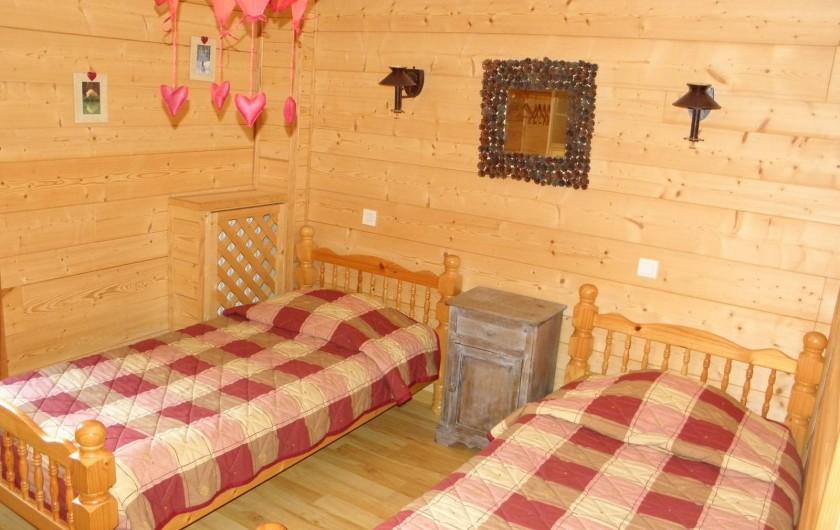 Location de vacances - Gîte à Méolans-Revel - Chambre Les marmottes
