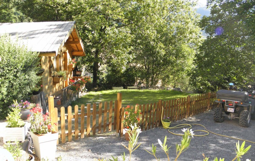 Location de vacances - Gîte à Méolans-Revel - Le chalet pour les vélos
