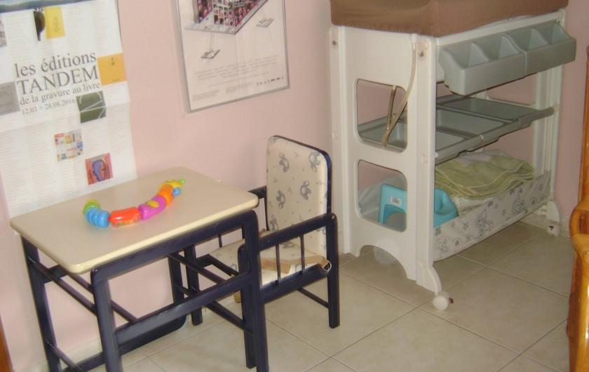 Location de vacances - Chambre d'hôtes à Trivières - ACCESSOIRES ENFANTS A DISPOSITION GRATUITEMENT + LITS PARAPLUIES