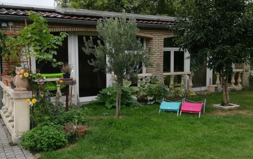 Location de vacances - Chambre d'hôtes à Trivières - AUTRE VUE DU JARDIN