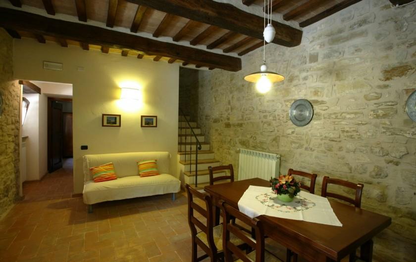 Location de vacances - Appartement à Gubbio - Séjour appartemente Girasole
