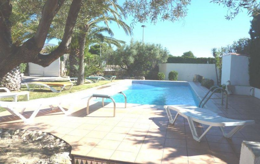 Location de vacances - Villa à L'Ametlla de Mar - jardin et piscine