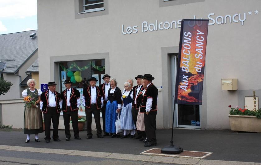 Location de vacances - Studio à Picherande - Fête de la Gentiane 15/08/16, groupe folklorique Suisse